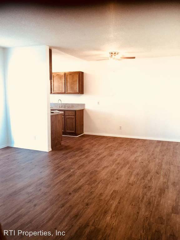 10302 Doty Ave Inglewood Ca 90303 Apartments For Rent